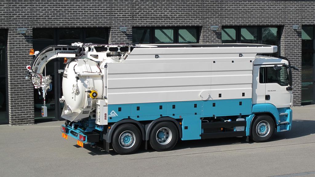 Hochdruckspül- und Saugfahrzeuge mit Wasserrückgewinnungsanlage_01